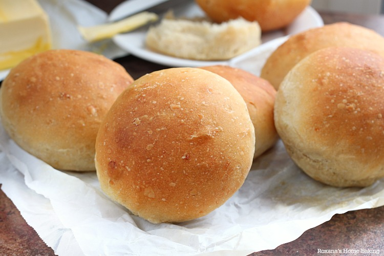 Caramelized onion dinner rolls recipe