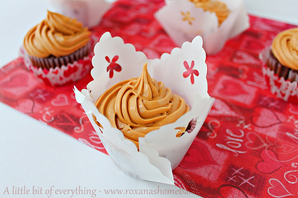Chocolate Cupcakes and Dulce de Leche Frosting | roxanashomebaking.com