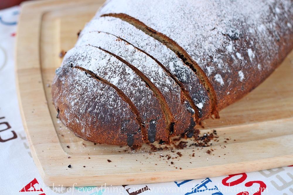 Mango Chocolate Bread | roxanashomebaking.com