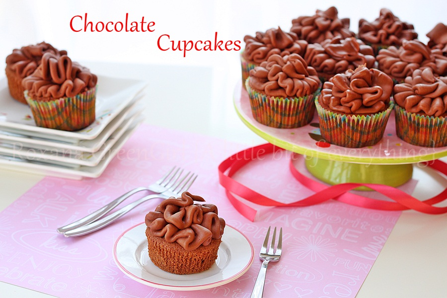 Chocolate Yogurt Cupcakes and Chocolate Yogurt Frosting | roxanashomebaking.com