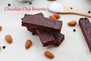 Homemade Chocolate Chip Brownie Larabar | Roxanashomebaking.com