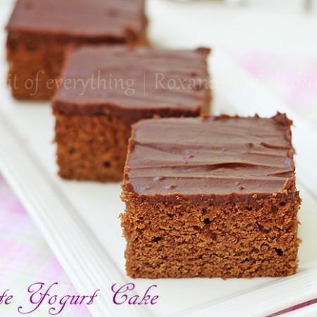 chocolate yogurt cake | Roxanashomebaking.com
