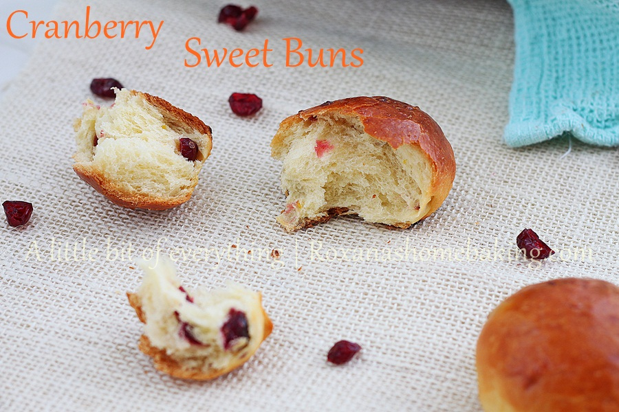 Cranberry Sweet Buns | roxanashomebaking.com