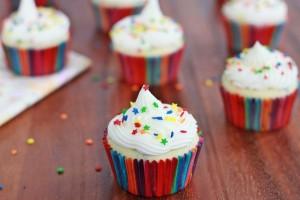Funfetti Yogurt Cupcakes | Roxanashomebaking.com