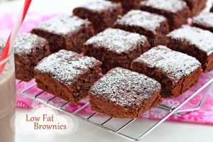 Low-fat banana brownies Recipe