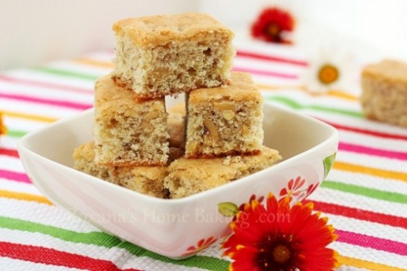 Walnut Blondies http://www.roxanashomebaking.com/