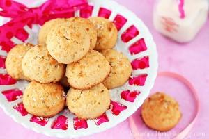 gluten free coconut cookies | roxanashomebaking.com