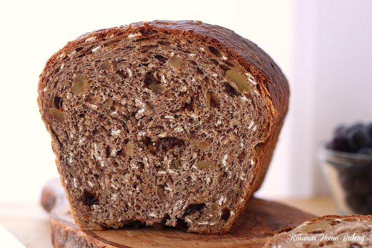 Oatmeal breakfast bread recipe