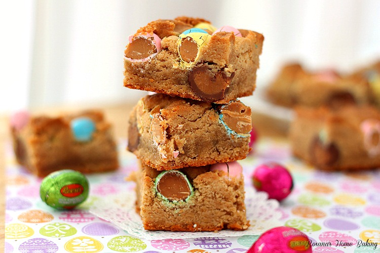 Peanut butter cookie bars with Reese's peanut butter eggs recipe