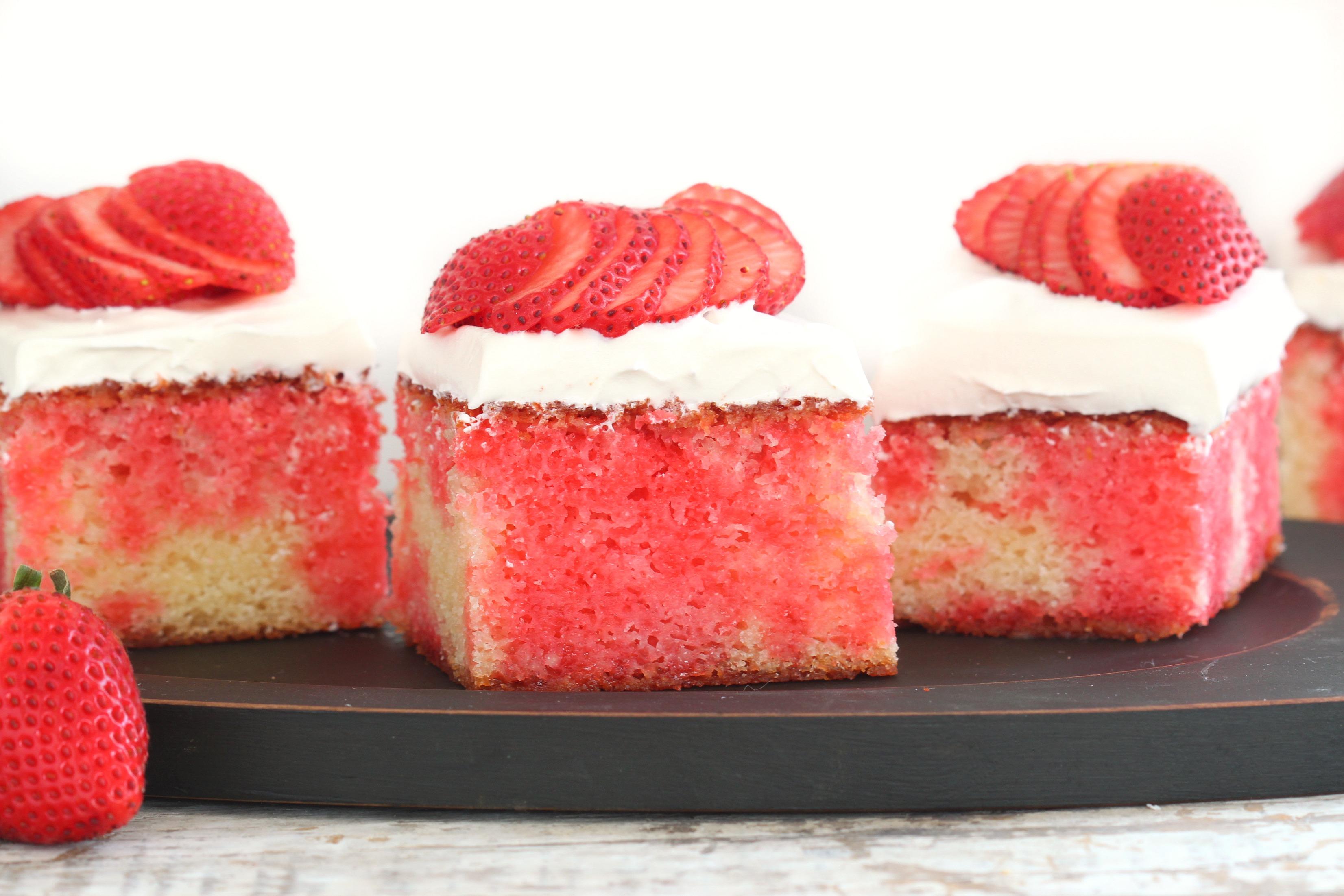 Imperial Sugar Strawberry Cake Recipe