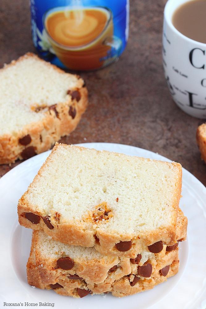 Cinnamon loaf cake recipe from Roxanashomebaking.com