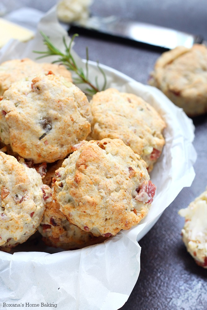 Quick and easy flaky bacon biscuits made with leftover mashed potatoes ...