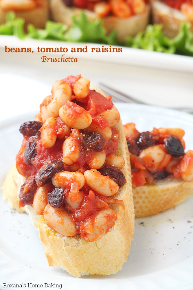 Toasted ciabatta slices topped with beans, tomato and raisins, bruschetta is a quick and easy party appetizer, last minute dinner idea or a afternoon snack!